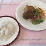 プラザ洞津 - 料理写真:月替ランチセット:ライス・金目鯛のソテー カレー風味のソース