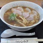 アミティ・シルク - 料理写真:ラーメン(大)