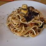 イタリアンダイニングカフェ チィーボ - ナスとミートソースのパスタ