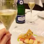 114560304 - 神戸・平井農園の桃と新生姜のジュレ 桃とレモングラスのソルベ