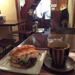 喫茶オルタナ -