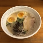 悠瑠里 - 料理写真:ら〜めん 小 +煮玉子