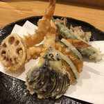 小太郎 - 海老と野菜の天ぷらがモリモリボリューミー