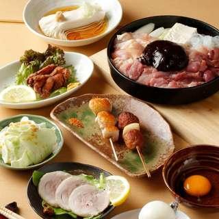 """厳選""""軍鶏鍋""""コース5000円をご用意しております。"""