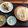 だるまや - 料理写真:すったてうどん1100円。野菜天がセットされています。