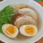 麺屋 つきのわ - 牛骨塩(650円)+煮玉子(100円)=計750円