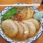 麺屋 つきのわ - 牛骨醤油(650円)+大盛(100円)+チャーシュー(200円)=計950円