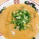 114593419 - こってり背脂中華そば とんこつ 細麺(720円)