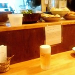 根菜屋 - 根菜屋@盛岡 カウンターの上に準備された食材