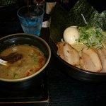 晴レル屋 - つけ麺(全部のせ)