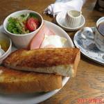 フライングハウス - 料理写真:ブレンドコー日+モーニングBセット 380円+200円