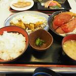 味のデパート MARUKAMI - ラッキー肉ランチ950円