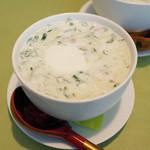 スカズカ - オクローシカ(1300円・外税) 冷たいスープ