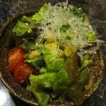 チーズタッカルビ 肉 居酒屋半 - ぷちぷちサラダ