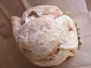 菓子工房 あん - びっくりシュー 硬すぎないパイ生地の皮