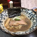 洛二神 - 煮干しそば750円(税込)