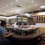 元祖寿司 - 施設の皆さんもいらっしゃるかな?
