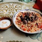 シルクロード・タリムウイグルレストラン - ウイグルのピラフのポロと薬味のヨーグルト