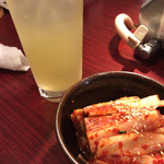 焼肉 龍苑 - キムチとサワー