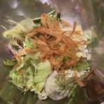 生姜料理 がらがら - お通しのサラダ