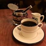 西浅草 黒猫亭 - ブレンドコーヒー(600円)。かなりアメリカン。私には物足りない…。