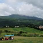 114656539 - 霧島連山は曇り