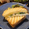 北の椅子と - 料理写真:きゅうり、チキン、玉子のヘルシーなパニーニ♡お皿はアラビア!