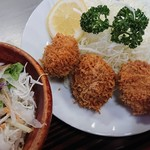 い志い食堂 - Bセットのホタテフライと生野菜