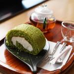 お茶の里 きらら - 料理写真:抹茶ロールケーキ