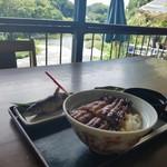 川の駅 松平 - 川の流れを見ながらの食事