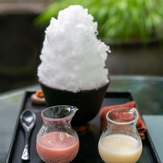 阿左美冷蔵 - 料理写真:2019.8 乙女の苺ミルク&メロン王子のミルクリッチ(1,300円)