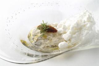ル・ミュゼ - 牡蠣:極寒;雪の降り積もる厚岸の海をイメージして・・・