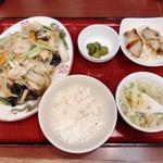 中華食堂 味鮮 - 日替りランチD 700円 五目あんかけ焼きそば