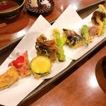 手打うどん あかう - 野菜の天ぷら 1080円