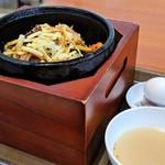 金金醤 - 料理写真:チーズのせ石焼ビビンバ