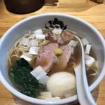 中華そば 満鶏軒 - 料理写真:鴨中華そば(醤油) 卵付  950円