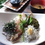 114688856 - 海鮮丼