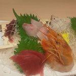 和食処 銀蔵 - 料理写真:季節の刺身盛り