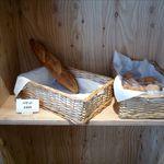 boulangerie Paume - 店内のパン棚