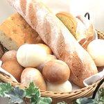 ヴィラ・ルーデンス - 焼き立て自家製パン