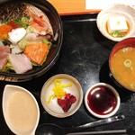 北浜くくり - 特製海鮮丼