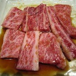 焼肉料理やすきち - 個人的には、上カルビより、この普通のカルビの方が好きです。