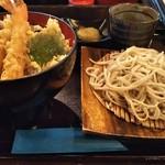 くるみ庵 - 料理写真:海老天丼ランチセット(1100円税抜) ※蕎麦は温かい蕎麦・冷たい蕎麦屋、細麺・平打を選べます