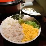 114722620 - 鯛めし                       松江の鯛めしはそぼろ状の具材をご飯に乗せ、だし汁をかけるスタイル^ ^