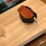 入船寿司 - お楽しみ寿司10000円。いくら。これは普通。美味しいです(^。^)