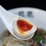 らぁ麺 飛鶏 - 煮玉子☆