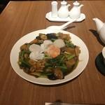 中国薬膳料理 星福 - 特製薬膳海鮮焼きそば(2100円)