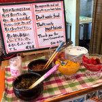 114727184 - 惣菜コーナーには彩りキレイなの並んでます。
