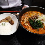 琉球・梅酒ダイニング てぃーだ - 琉球担々麺とミニソーキ丼のセット