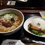 琉球・梅酒ダイニング てぃーだ - ソーキそばとミニラフテー丼のセット